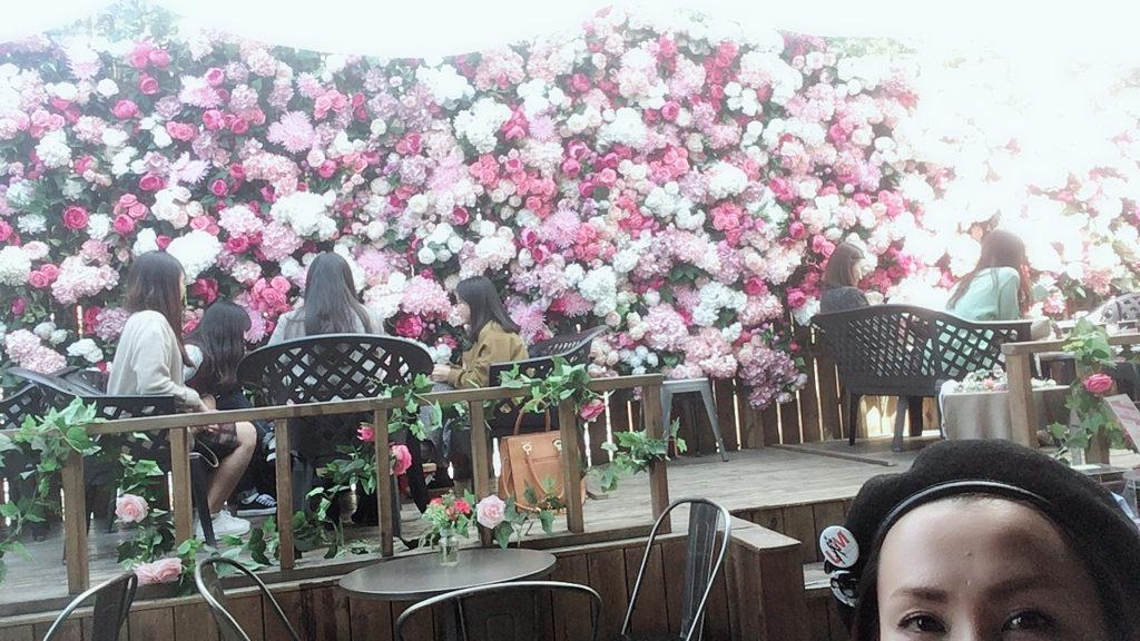 韓国弘大の外れにあるおしゃれカフェの写真